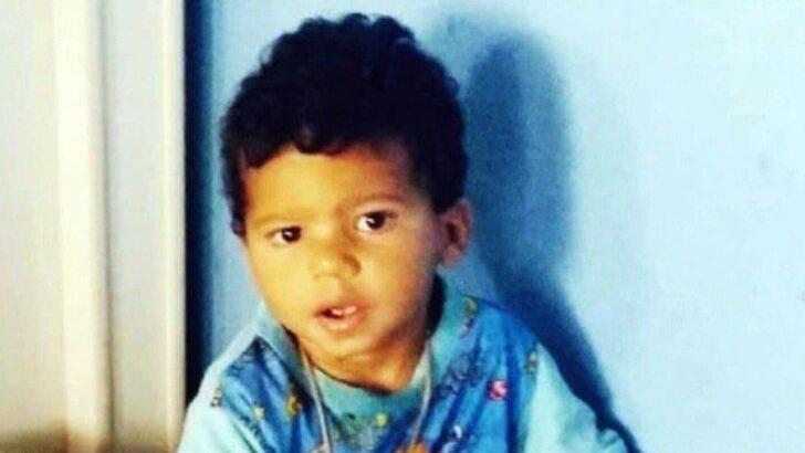 """Criança de 3 anos é baleada no tornozelo, vê irmão ser morto e fica traumatizada: """"não está comendo nem dormindo"""""""