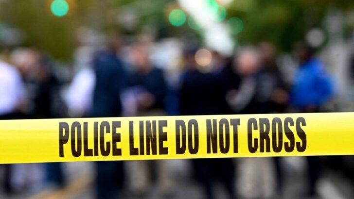 Três crianças são encontradas em apartamento com o corpo do irmão morto há um ano, nos eua